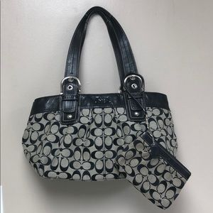 Coach classic tote with wristlet